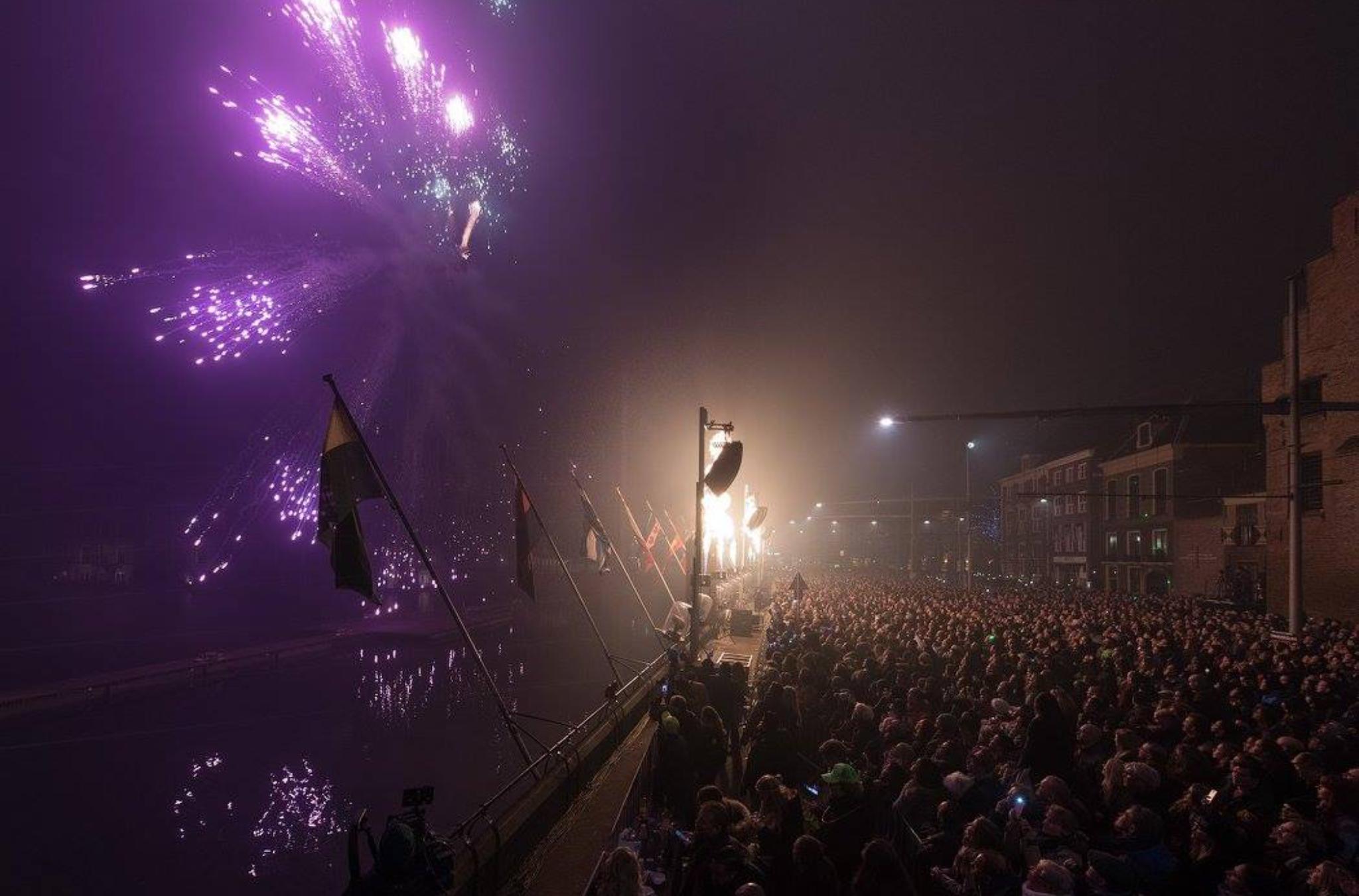 Vuurwerkshow Oud & Nieuw 2016-2017, Den Haag